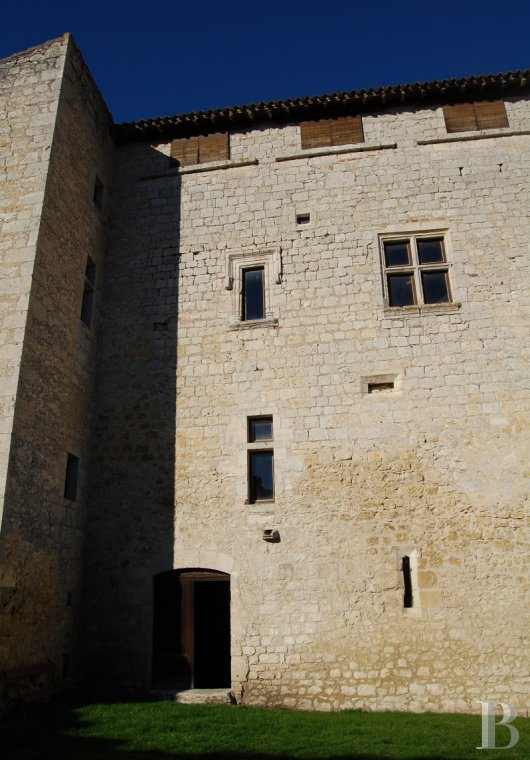 chateaux a vendre midi pyrenees chateau medieval - 3