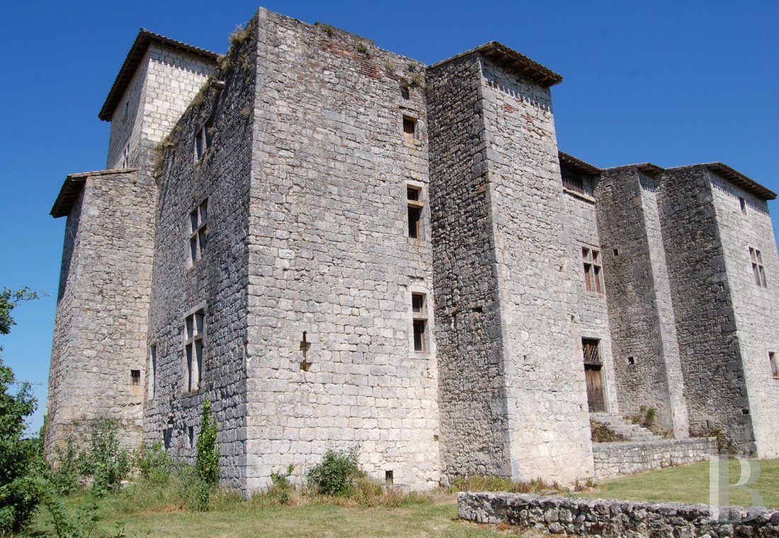 chateaux a vendre midi pyrenees chateau medieval - 2
