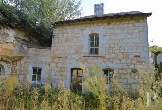 character properties France pays de loire loire cellar - 3 mini
