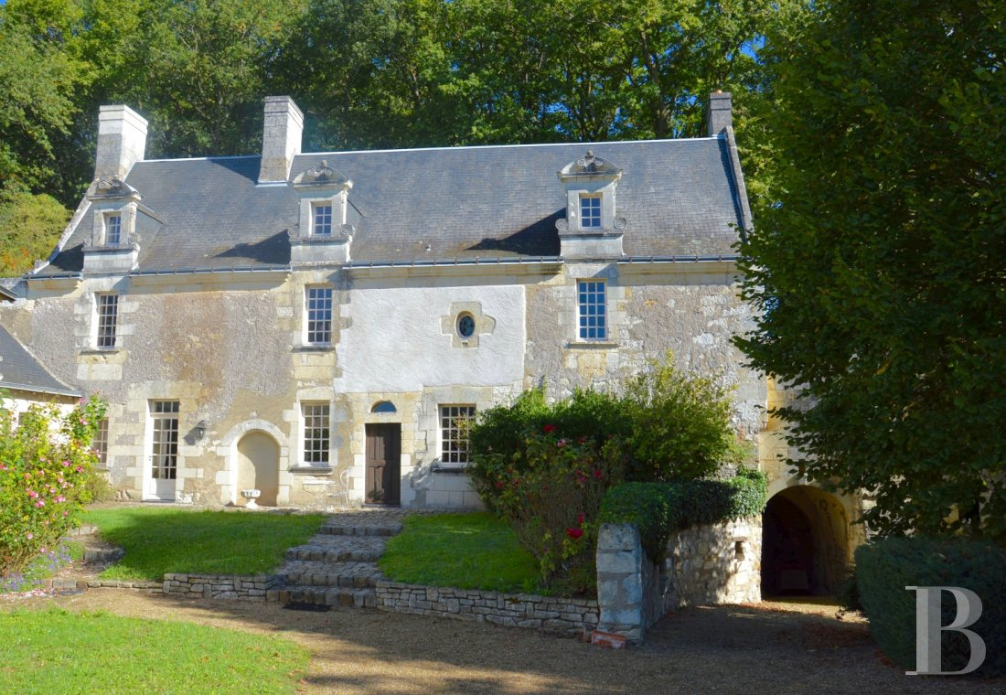 character properties France pays de loire loire cellar - 1 mini
