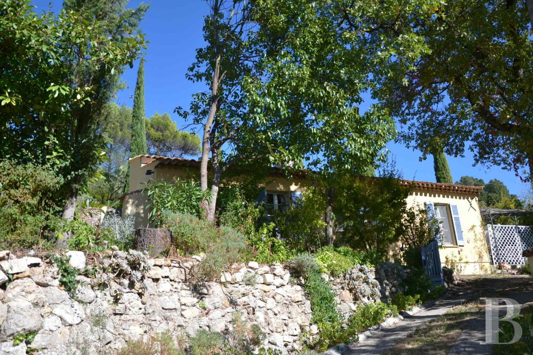 character properties France provence cote dazur moyen var - 1 zoom