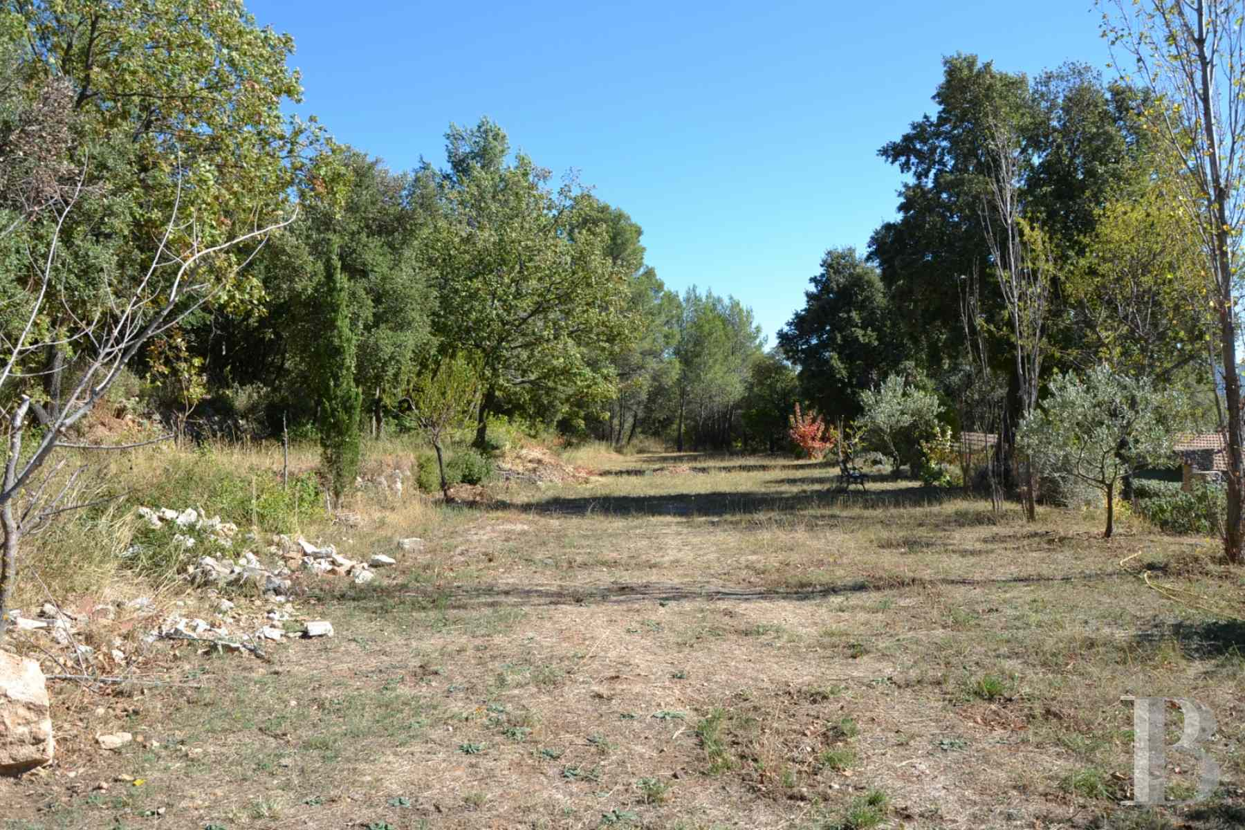 character properties France provence cote dazur moyen var - 11 zoom
