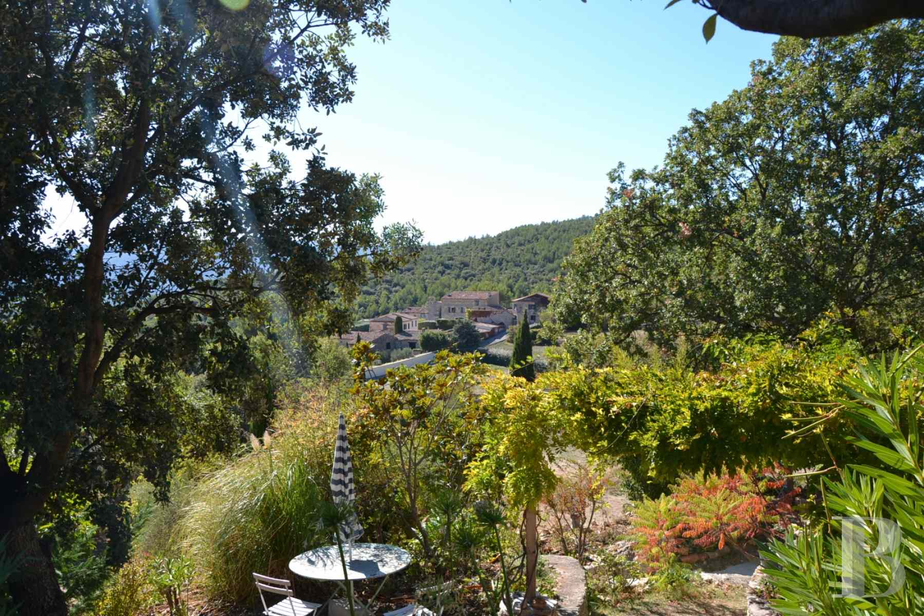character properties France provence cote dazur moyen var - 12 zoom