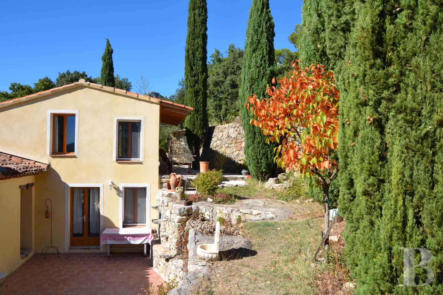 character properties France provence cote dazur moyen var - 2 zoom