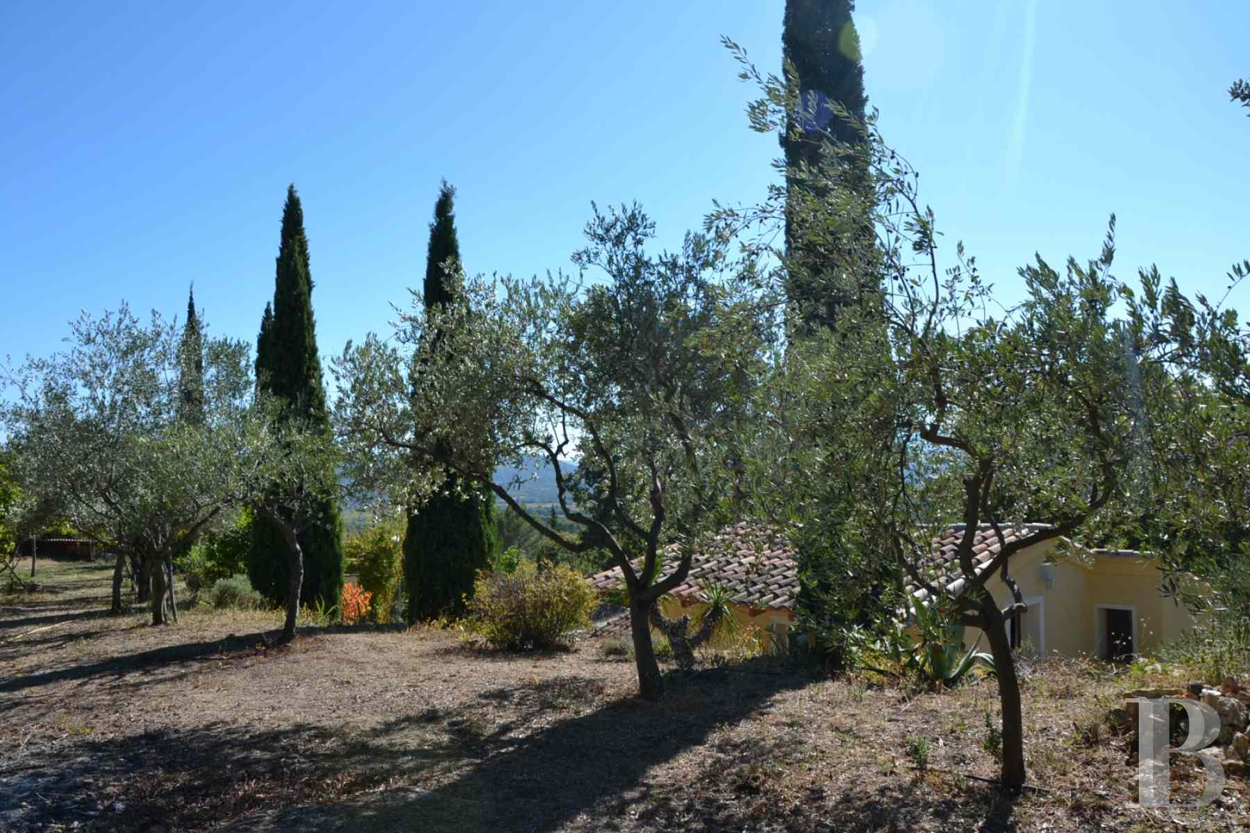 character properties France provence cote dazur moyen var - 7 zoom