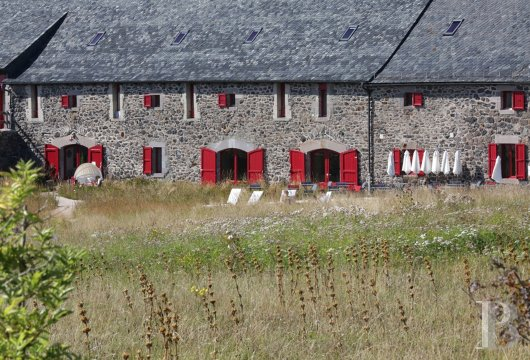 fA former farm dedicated to well-being on the Via Averna, to the north of the Aubrac lands - photo N°5