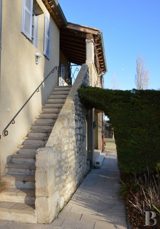 character properties France rhones alps character houses - 3 mini