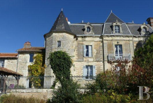 character properties France poitou charentes buy purchase - 4 mini