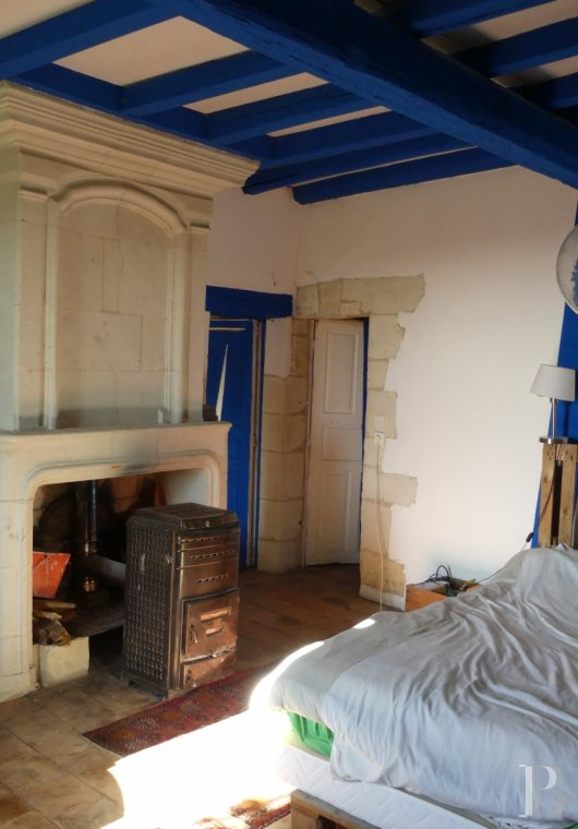 character properties France poitou charentes buy purchase - 11 mini