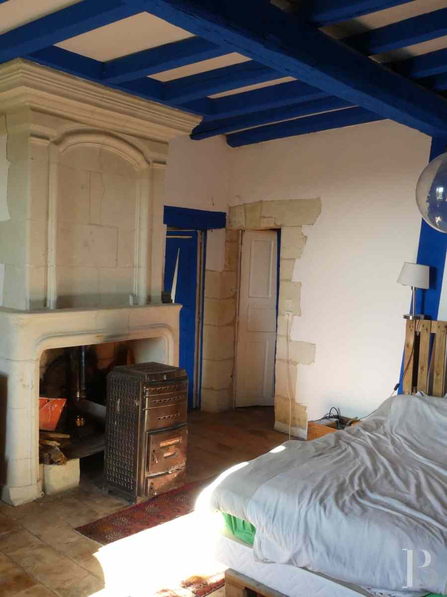 character properties France poitou charentes buy purchase - 11 zoom