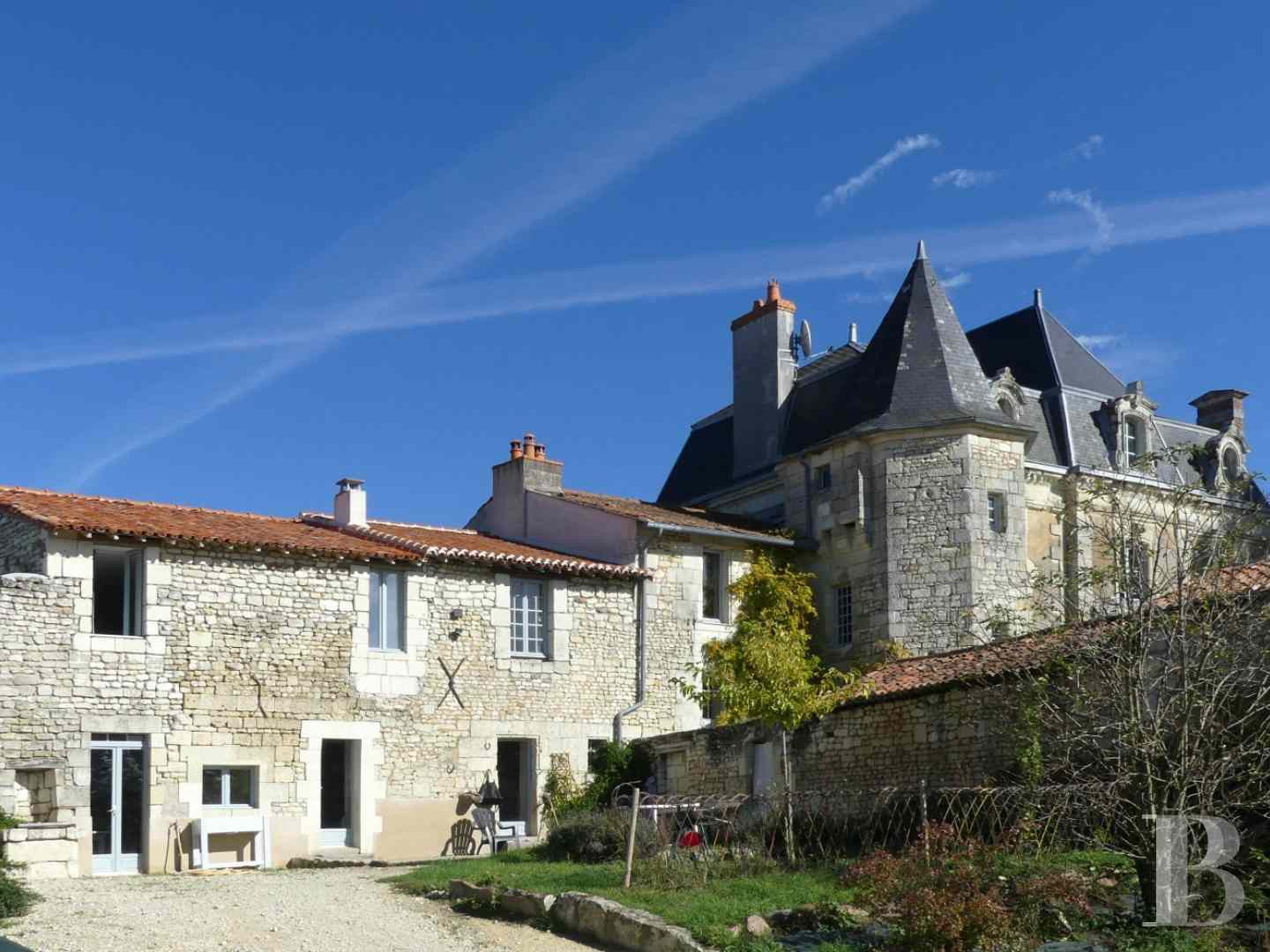 character properties France poitou charentes buy purchase - 5 zoom