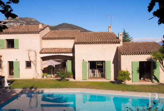 character properties France provence cote dazur vence baou - 4
