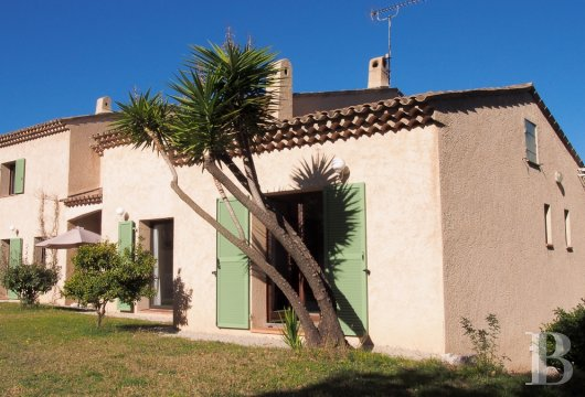character properties France provence cote dazur vence baou - 7