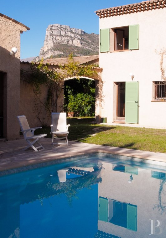character properties France provence cote dazur vence baou - 5