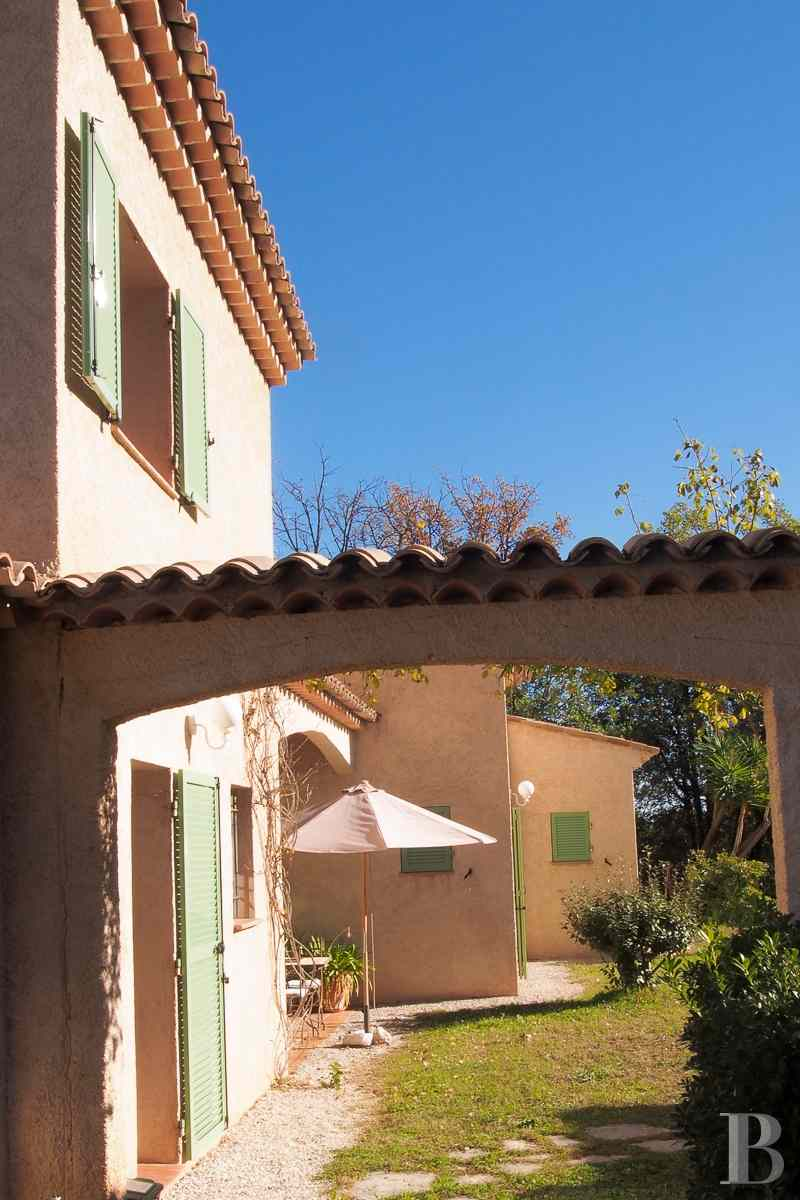 character properties France provence cote dazur vence baou - 8 zoom