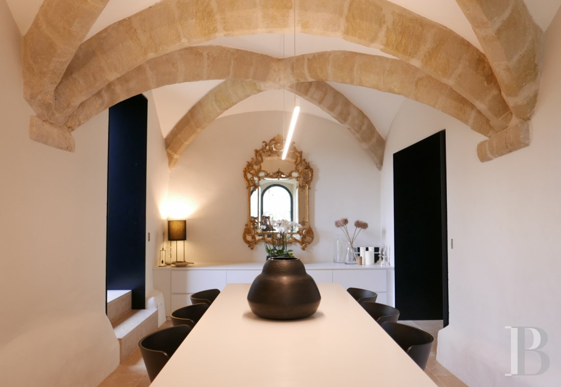 fA thousand-year-old tower with a contemporary feel in the heart of Gard, not far from Uzès - photo N°13