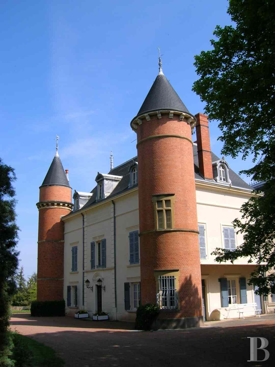 chateaux for sale France rhones alps castles chateaux - 2 zoom