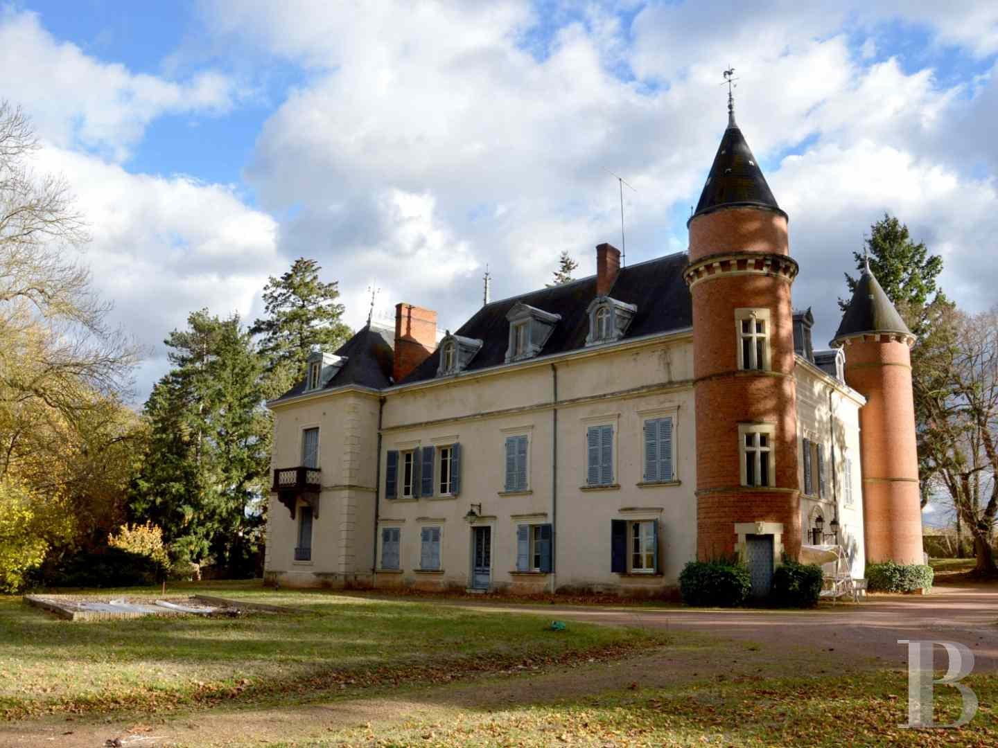 chateaux for sale France rhones alps castles chateaux - 1 zoom