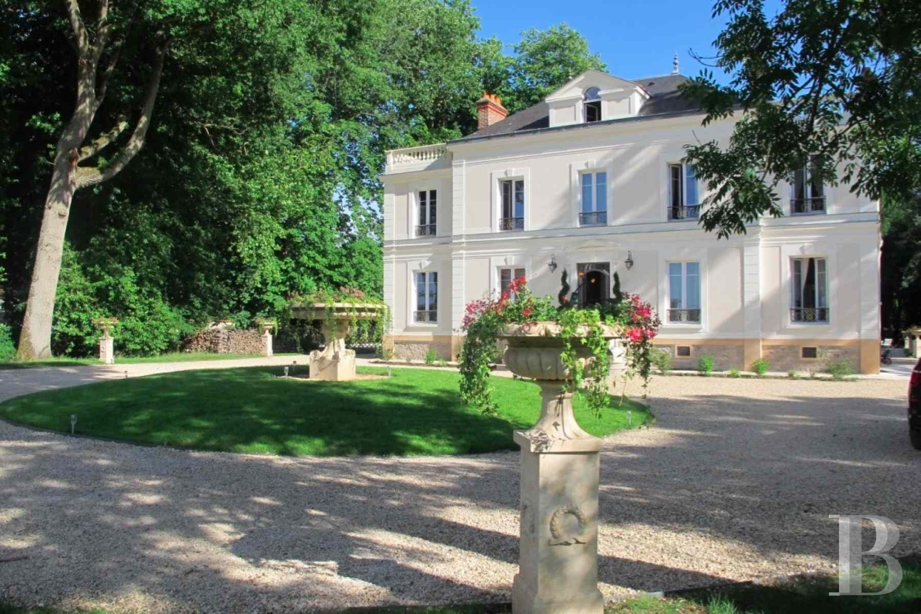 chateaux for sale France ile de france hunting lodge - 1 zoom
