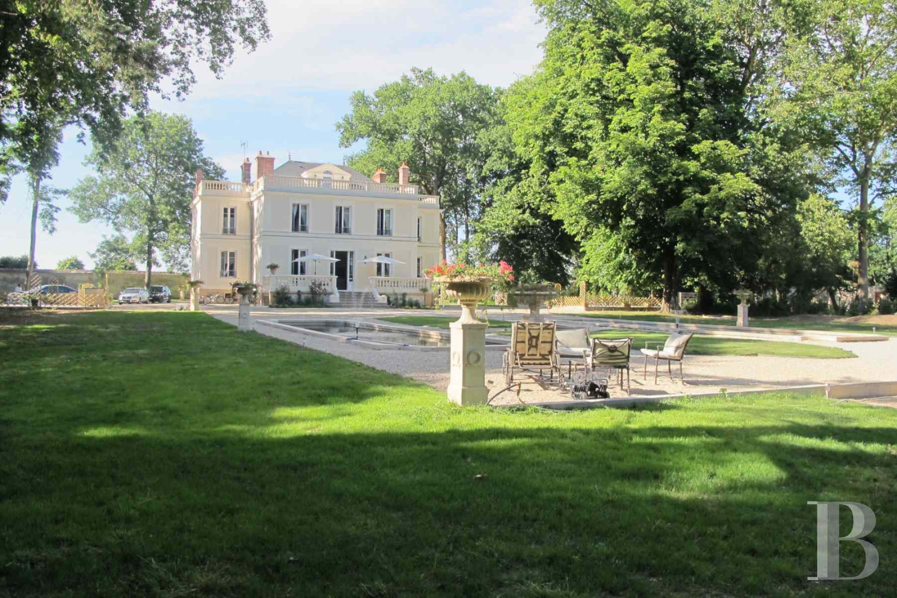 chateaux for sale France ile de france hunting lodge - 2 zoom