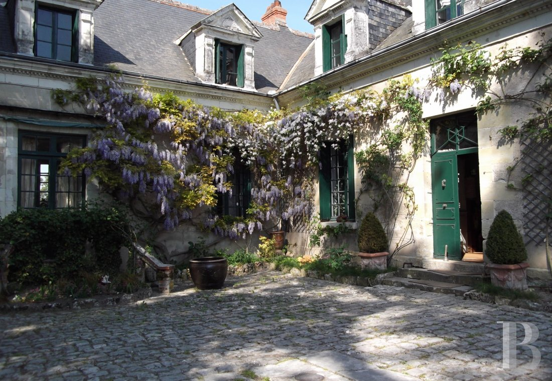 character properties France center val de loire character houses - 1