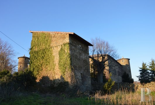 chateaux for sale France rhones alps ardeche medieval - 3 mini