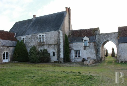 character properties France center val de loire character houses - 4 mini