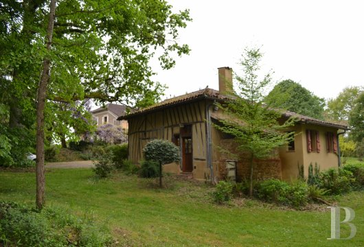 character properties France midi pyrenees   - 18