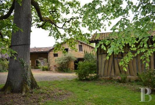 character properties France midi pyrenees   - 3