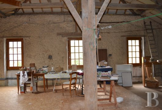 character properties France midi pyrenees   - 9