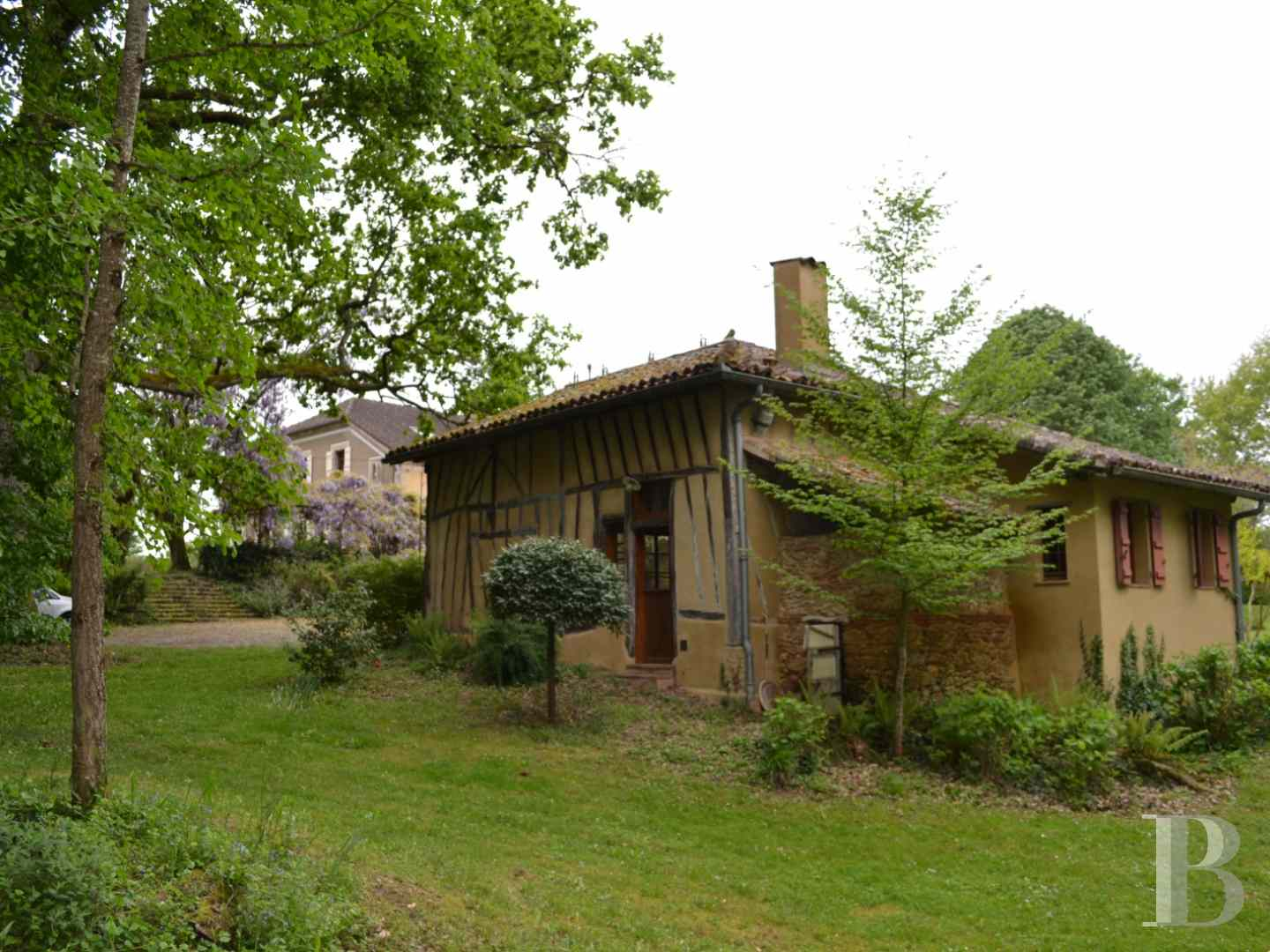 character properties France midi pyrenees character houses - 18 zoom