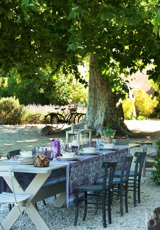 fA former 17th century coaching inn  for provincial holidays with family or friends to the east of Avignon  - photo  n°7