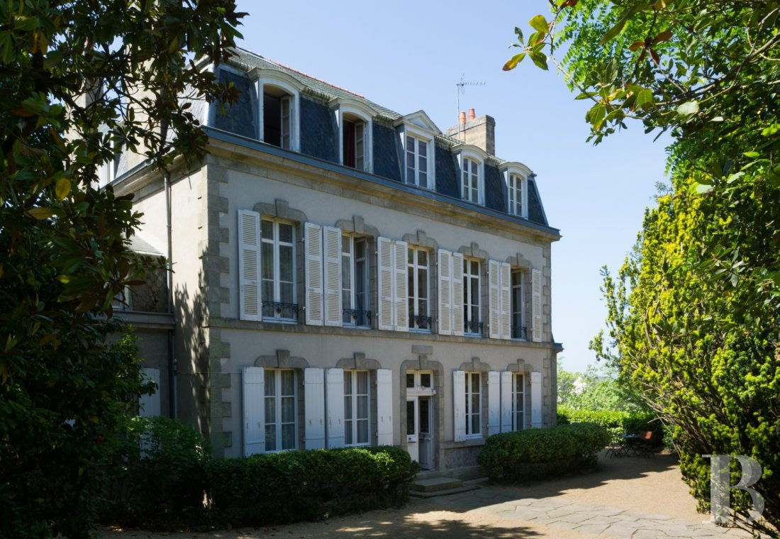 fFive guest rooms in a family home  in the centre of Vannes - photo N°1