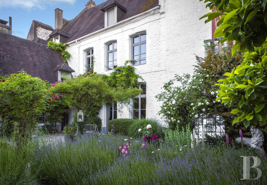 fA tastefully refined guest house  in the secluded Montreuil-sur-Mer - photo n°1