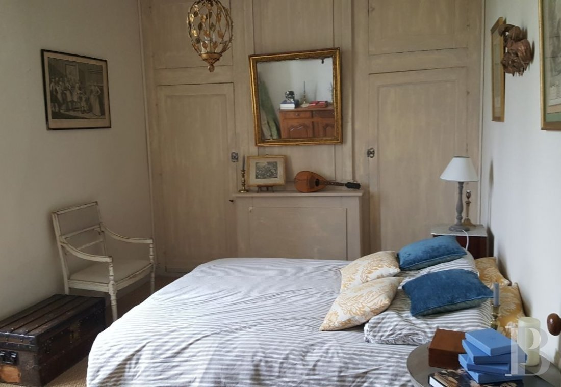 An intimate and poetic 18th presbytery  in the Beaugeois in Anjou - photo  n°11