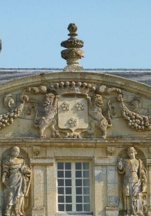 A 17th century gem designed by Mansart  in the planes of Vexin - photo  n°6