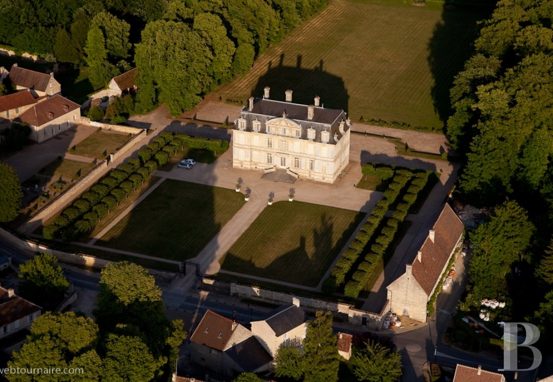 A 17th century gem designed by Mansart  in the planes of Vexin - photo  n°4