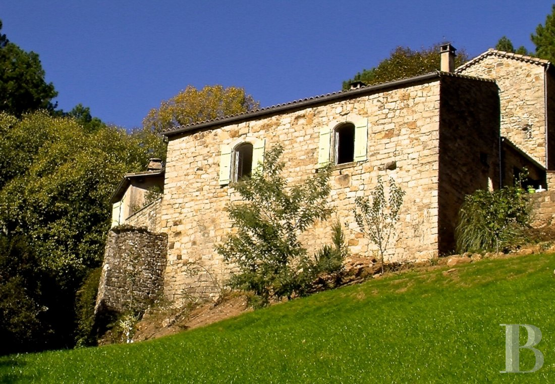 character properties France rhones alps   - 1