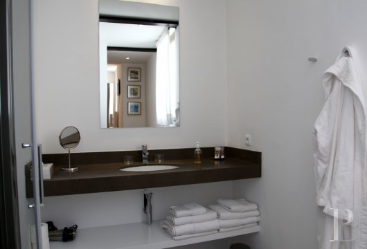 fNine suites in a former convent  in Marseille, just a few steps from the Old Port - photo  n°20