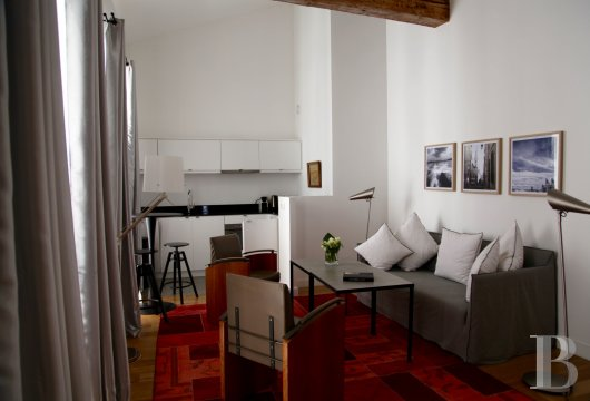 fNine suites in a former convent  in Marseille, just a few steps from the Old Port - photo  n°8