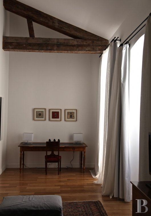 fNine suites in a former convent  in Marseille, just a few steps from the Old Port - photo  n°23