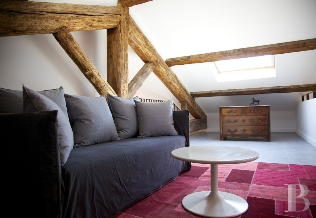fNine suites in a former convent  in Marseille, just a few steps from the Old Port - photo  n°10