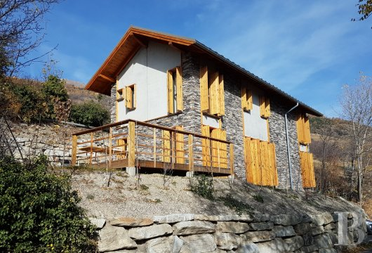 fA contemporary chalet overlooking the Durance valley in the south-west of Briançon - photo n°2
