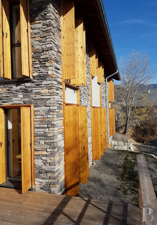 fA contemporary chalet overlooking the Durance valley in the south-west of Briançon - photo n°16