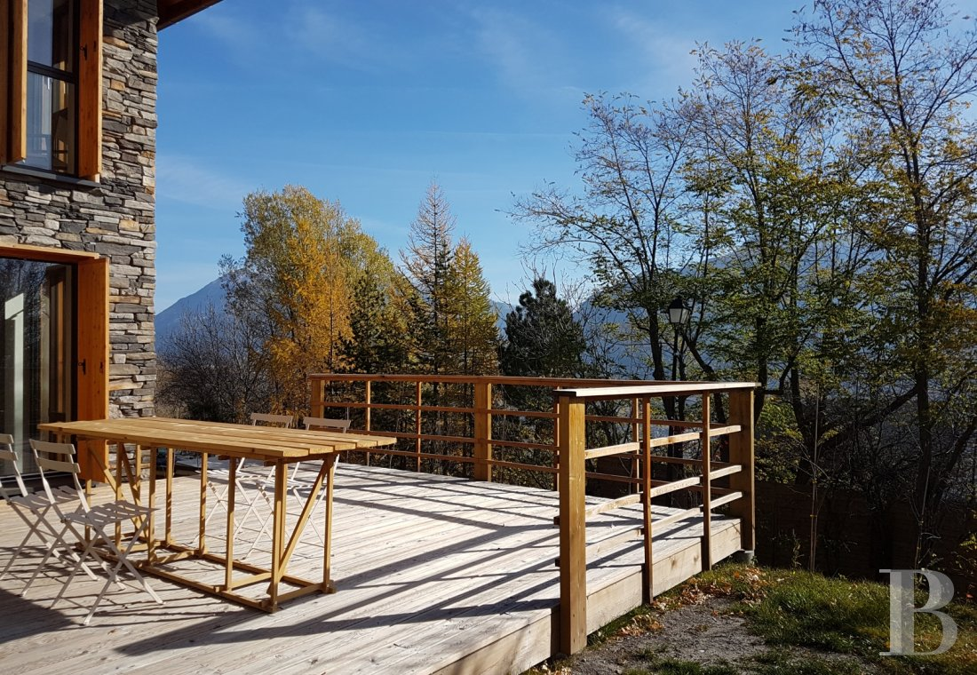 fA contemporary chalet overlooking the Durance valley in the south-west of Briançon - photo n°10