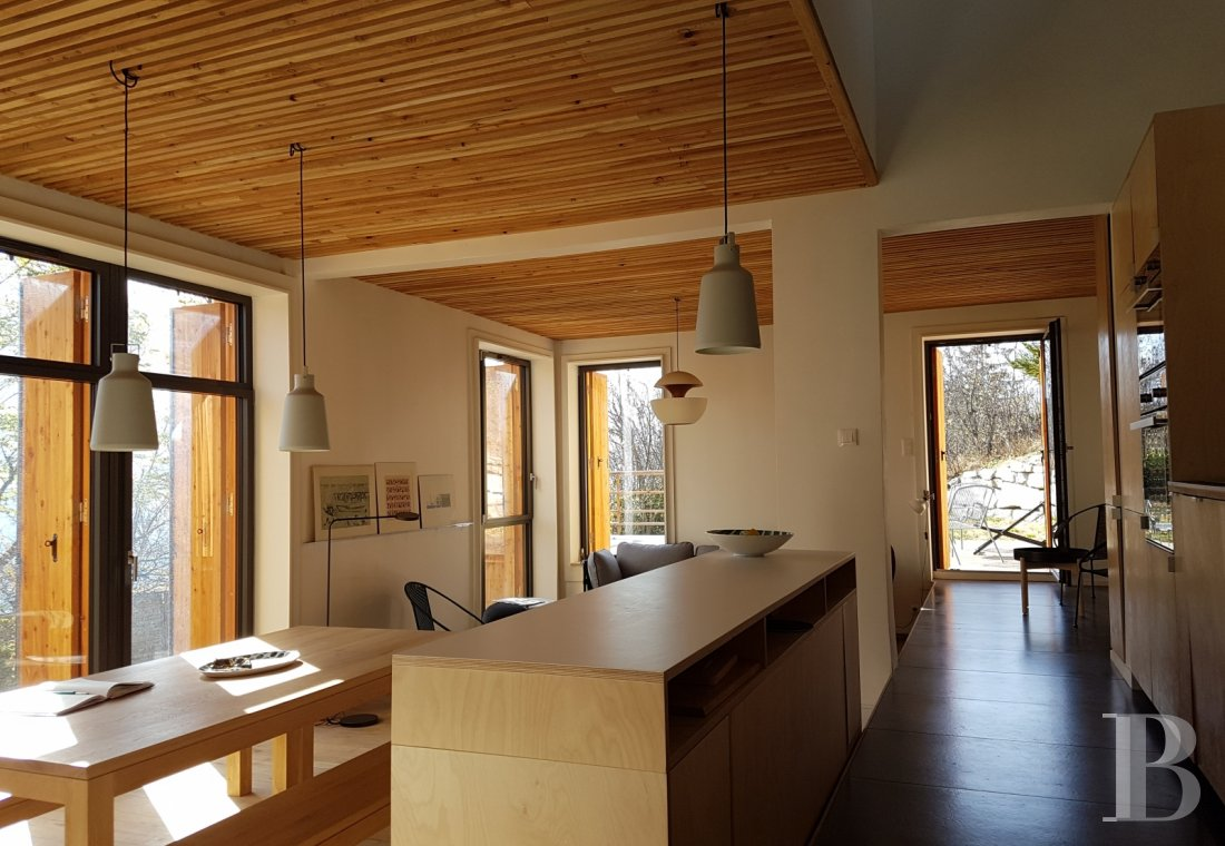 fA contemporary chalet overlooking the Durance valley in the south-west of Briançon - photo n°4