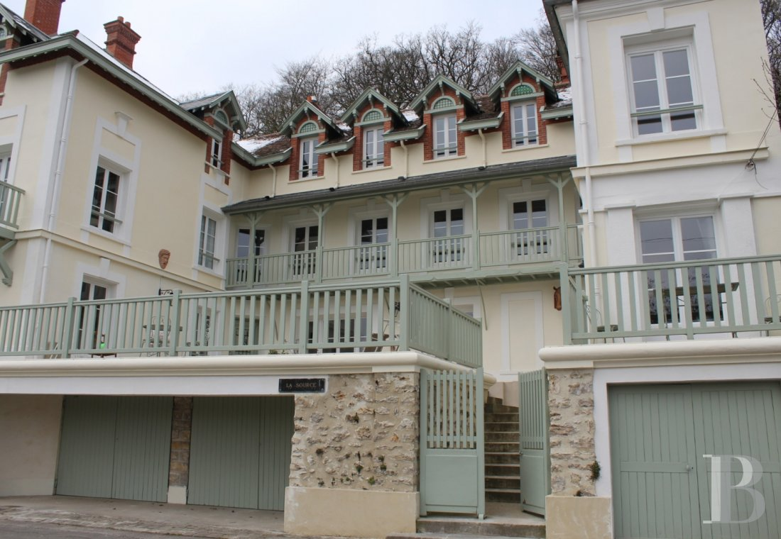 character properties France ile de france character houses - 1