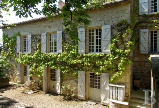 character properties France poitou charentes   - 2