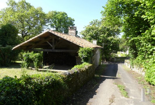 character properties France poitou charentes   - 19