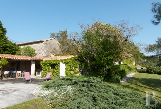 character properties France poitou charentes   - 14
